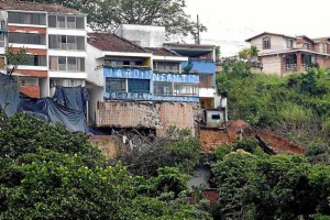 Cuatro casas se hundieron en Pan de Azúcar