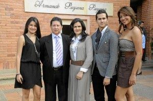 Ana María Ortiz, Eduardo Ortiz Serrano, Alba Lucía Castaño, David E. Ortiz Castaño y Paola Marcela Patiño.