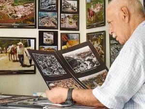 Los últimos años los ha dedicado a fotografía la ciudad y su desarrollo.