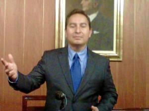 El profesor Homero Ortega Boada viajó con otros funcionarios del Ministerio de Tecnologías de la Información y las Comunicaciones.