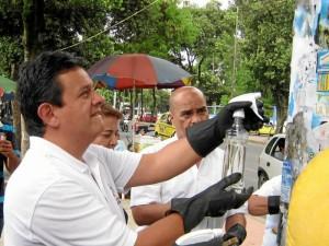 El concejal Christian Argüello adelanta jornadas de limpieza buscando así ciudadanos que se preocupen por los bienes públicos.