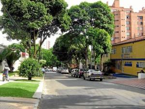 En la carrea 34 entre calles 44 y 45 los fines de semana se intensifican los trancones.