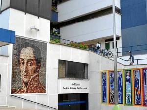 La exposición se adelanta a la entrada de la Biblioteca Gabriel Turbay.