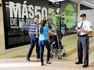 Los centros comerciales tendrán rebajas este mes de febrero.
