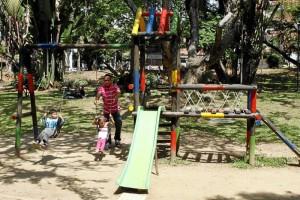 La zona de juegos para niños en el parque San Pío fue reparada.