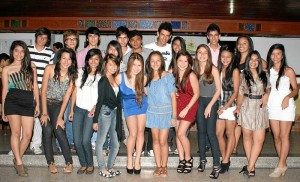 Junto a sus amigas, Caterine Villarreal celebró su cumpleaños