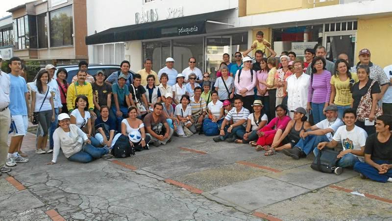 Sesenta y dos personas asistieron el pasado sábado a la Caminata Cultural de Gente, donde se visitó la Cuadra de la Frescura.