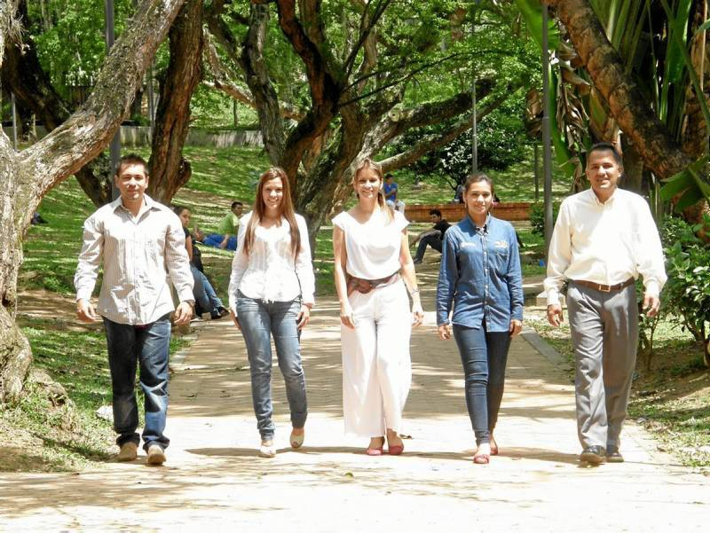 Estos son cinco de los siete ediles de la comuna 12: Alexander Peña, Karim Villamizar, Alid Angarita, Diana Henríquez y Daniel Ramírez
