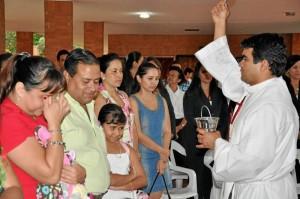 El sacerdote Gustavo Patiño, capellán del colegio La Merced bendijo el lugar.