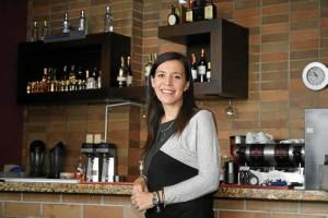 Silvia Juliana Aparicio Orozco tiene 32 años y es una empresaria en el campo de los restaurantes y las bebidas.