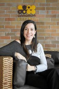 Chana, junto a su esposo, es la propietaria de Cinnamon.