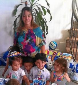Mario José González Manosalva, Ana Milena Manosalva De La Rosa y los niños del jardín infantil Play House.