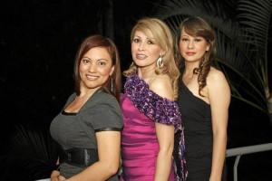 Luz Dary Amado, Cecilia Gil y Maritza Ga-eano.