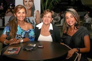 Liliana Aguilar, María Eugenia de Arenas y Amparo Arenas.