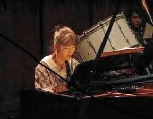 La pianista japonesa Mari Kagehira ofrecerá un concierto en el Luis A. Calvo.