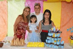 Dennis Adriana Balcárcel, Carlos Andrés Carrillo, Sofía Carrillo y Ana María Carrillo.