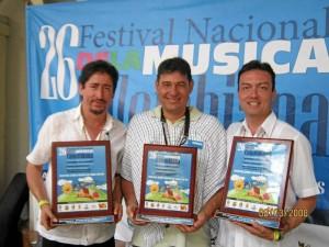 Junto al 'Dúo Acople' de Manizales, que ganó el Concurso de Duetos Príncipes de la Canción.
