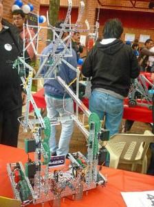 Este fue el robot con el que participaron en Bogotá.