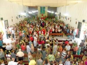 El Domingo de Ramos inició la Semana Santa con la bendición de los ramos en la gruta (carrera 38 con parque Leones).