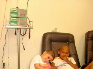 La Fundación Sanar trabaja con los niños enfermos de cáncer y de bajos recursos de la ciudad.