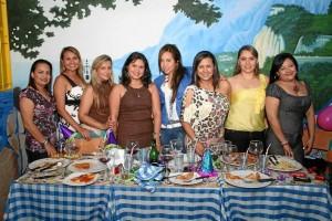 Nidia Parada, Viviana Domínguez, Claudia González, Tatiana Celis, Yenny Hernández, Elena Laguado, Eliana Acevedo y Claudia Pinzón.