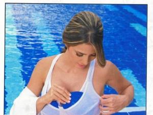 El uso continuo de frío sobres zonas que presentan flacidez contribuye enormemente a reafirmar la piel y mejorar su textura.