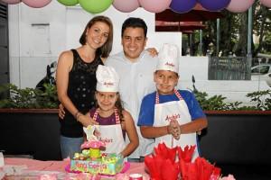 Ana Sofía junto a Juan Esteban Flórez, Diana Giraldo y Édgar Flórez.