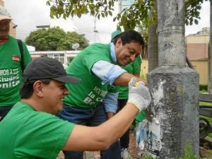 La limpieza se realiza en el marco del programa Por Amor a Bucaramanga liderado por el concejal Christian Argüello.