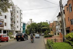 Vecinos se quejan del ruido de otros residentes.