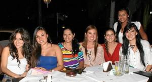Natali Jaime, Marcela Zárate, Marcela Cartamo, Carolina Hernández, Mónica Arce, Judith Viviana Fuentes y Sofía Sepúlveda.