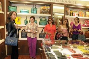 Pilar Castaño explicó cómo y cuándo usar determinados bolsos.