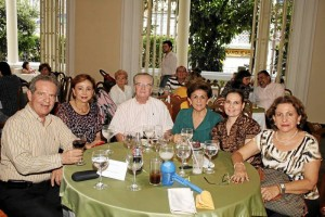 Alberto Alarcón, María Hortensia de Alarcón, Eduardo Rueda, Teresita de Rueda, Alejandra Alarcón y Patricia Gómez García.