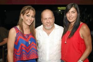 Carmen Alicia Remolina, Eduardo Vesga, e Isabella Santodomingo.