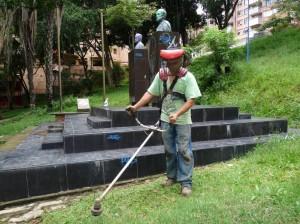 Eduardo Tamayo asegura que recibe aportes, pero no sueldo. (FOTO Archivo)