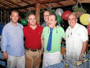 Loriz Mazon, Paolo Girardi, Mauricio De Michele, Gino D'Rosa y el Padre Cosme Pedagna Stefanelli.