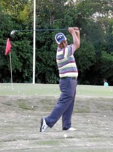 Como independiente y con recursos propios, Orlando es un aficionado jugador de golf.