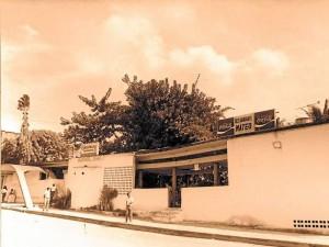 Antiguo restaurante Mateo. En un comienzo fue la heladería Tropicana. En su interior había quiscos, palmeras y bambúes.