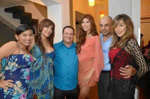 Diana Navarro, Mónica Gutiérrez, Pedro Navarro; Paola Andrea Trujillo, Señorita Santander, Ricardo Vega y Neyla Ramón.