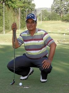 Orlando Rueda Zárate, guarda de seguridad y jugador de golf.
