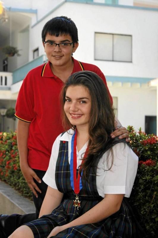 Laura Jimena Serrano Plata junto a su compañero Nicolás Goyoneche.