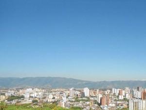 Las cifras de disminución de la contaminación del aire registradas por la CDMB se vieron en el cielo bumangués. Foto tomada a las 10:30 a. m.