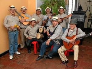 Estos son los integrantes de Los Surruquetas a quienes se puede contactar en el teléfono 3172671247.