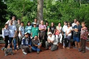 Una veintena de personas acompañó el recorrido de Gente por el sector de Cedros.
