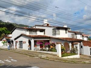En esta cuadra se instaló la tienda de la familia Gómez Guerrero, quienes llevan allí desde 1972.