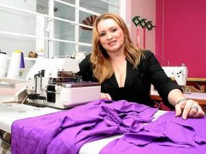 Stella Durán diseña ropa para mujeres trabajadoras, independientes y dueñas de su tiempo.
