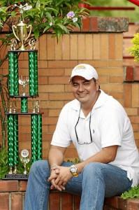 Luis Eduardo Monroy vive hace 40 años en Bucaramanga y es egresado del colegio Cooperativo Comfenalco.