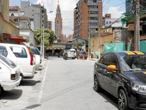 Esta es la calle que según la denunciante permanece llena de carros.