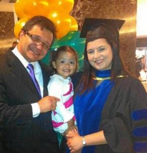 Su mayor logro profesional y personal fue su estudio de doctorado en Ciencias Médicas, en Canadá.