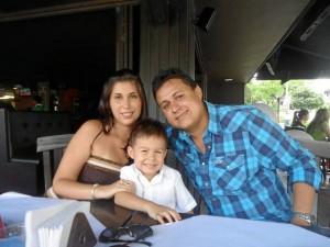 María Angélica Vega, Samuel Moreno Vega e Iván Moreno.