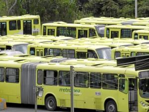 Desde hace cerca de un año hay 102 vehículos de Metrolínea esperando la orden de inicio de la fase dos del sistema integrado de transporte masivo.